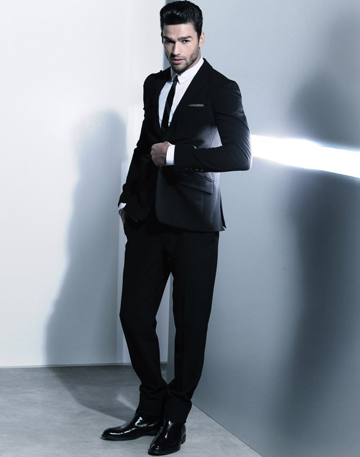 andre male model, andre model, male model in suit